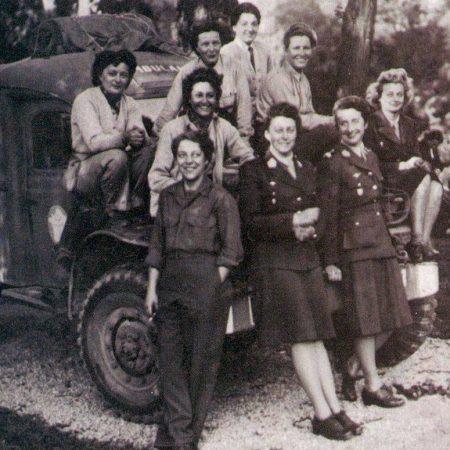 Les Rochambelles, ambulancières volontaires.